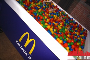 cool mcdonalds photo booth ball pit